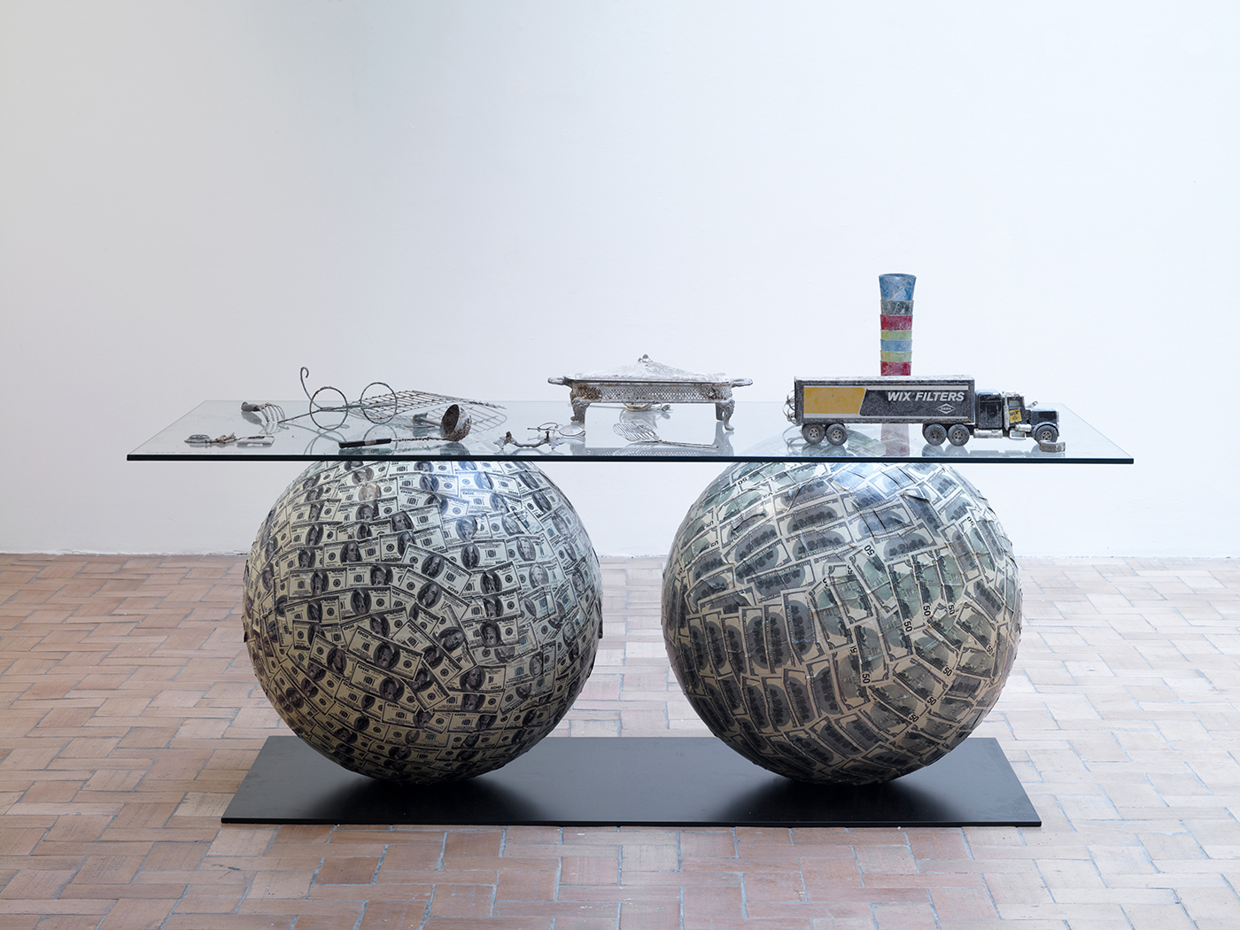 Meschac Gaba - Archéologie contemporaine 2, 2003